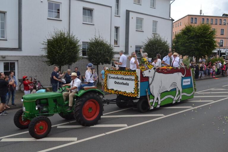 Bild vom Osterholzer-Erntefest: Umzug am Sonntag